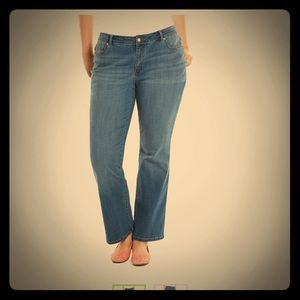 Lee modern bootcut curvy fit no-gap waist jeans